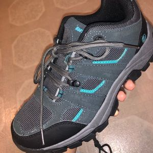 BRAND NEW hiking shoes